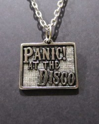 Кулон PANIC! AT THE DISCO (3dk)